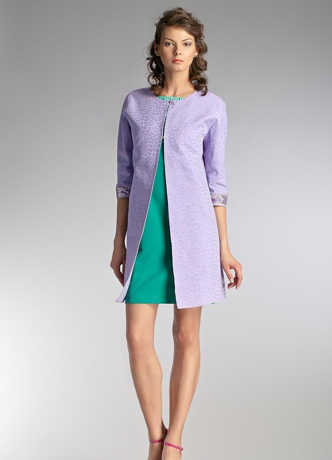 модные сеты: светлое пальто под платье