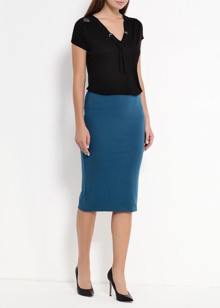 модный сет: синяя юбка под блузку черную