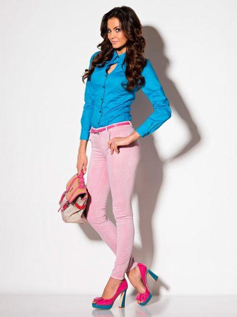 модный сет: розовые штаны под блузку синюю