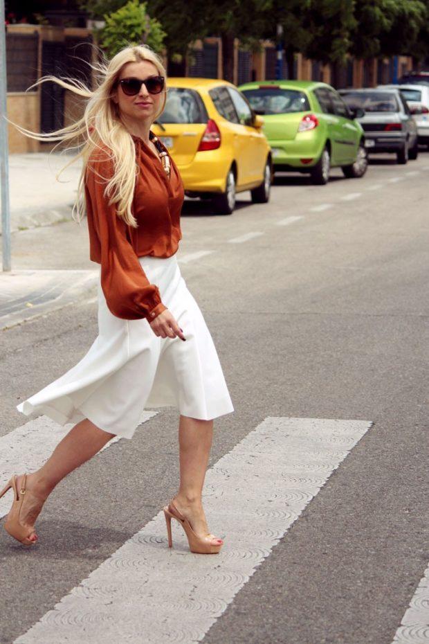 модный сет: белая юбку под коричневую блузку