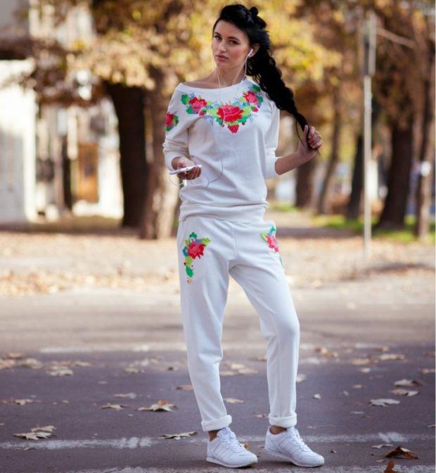 модные спортивные костюмы 2018-2019 белый с цветами