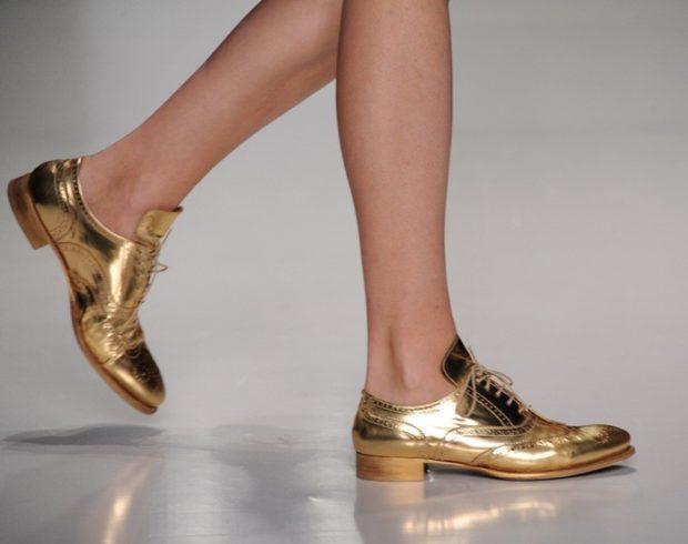 модные туфли 2018-2019 золотые низкий ход