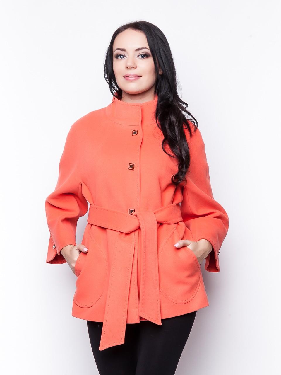 модное пальто осень зима 2018 2019 укороченное красное под пояс