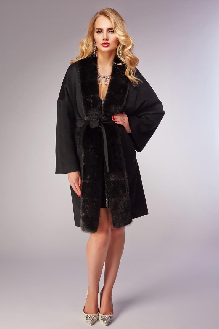 модное пальто осень зима 2018 2019 с мехом черное под пояс