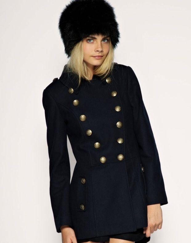 пальто осень-зима: милитари черное короткое