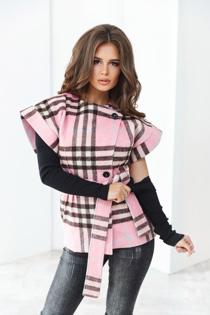модное пальто осень зима 2018 2019 с коротким рукавом розовое в серую клетку