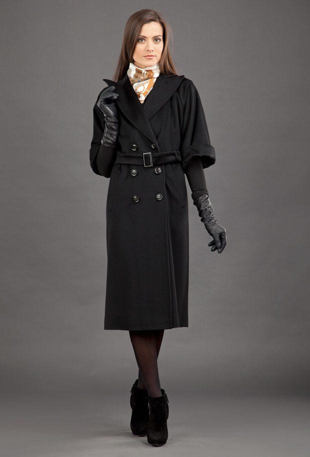 с коротким рукавом черное удлиненное под пояс