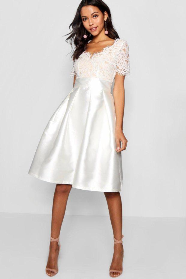 Модное платье для выпускного: белое кружево