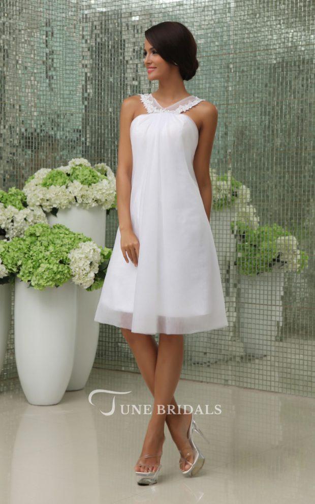 выпускное платье: белое греческое выше колена