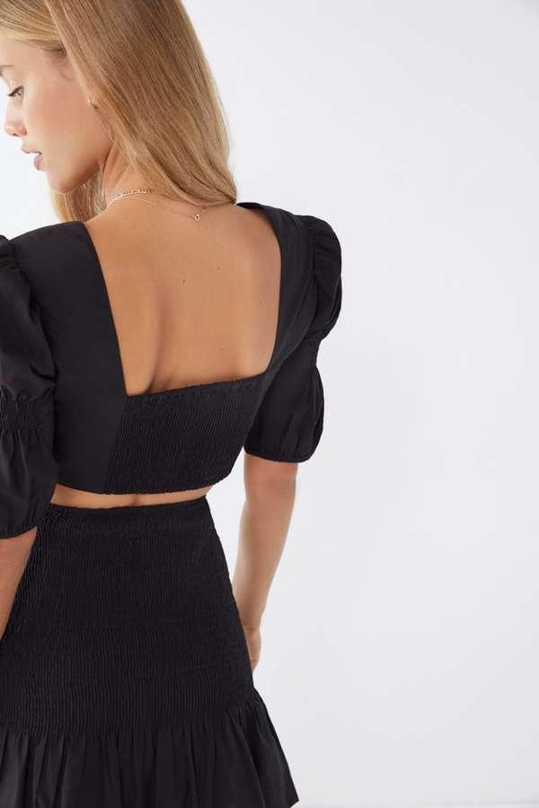 платья на выпускной 2019: раздельное черное вид сзади