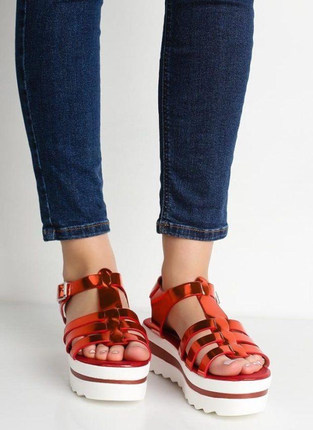 босоножки под темные джинсы