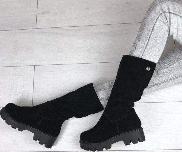 замшевая обувь на тракторной подошве с чем носить под светлые джинсы