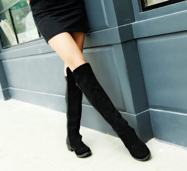 черные ботфорты под платье