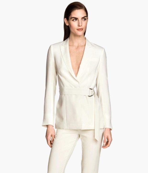 пиджаки белый с поясом