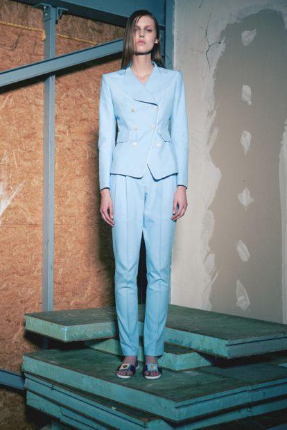 пиджаки 2018 двубортный голубой