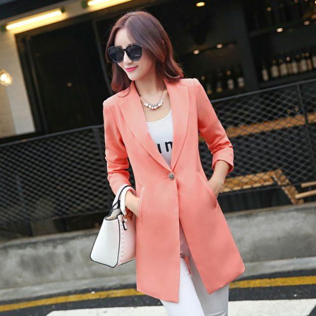 пиджаки женские модные: розовый удлиненный