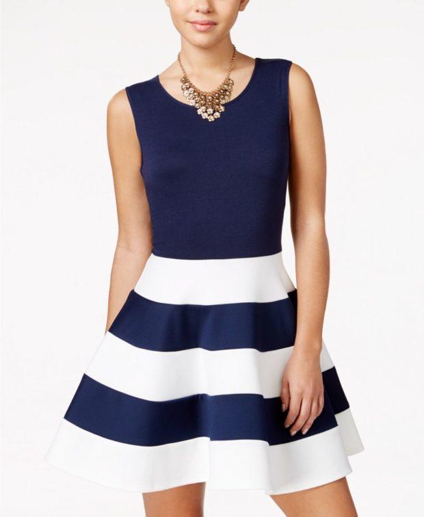 платье на выпускной 2019: синее белая полоса
