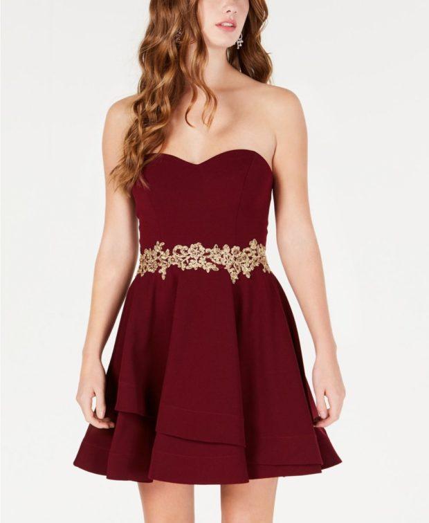платье на выпускной 2019: бордовое золотой пояс
