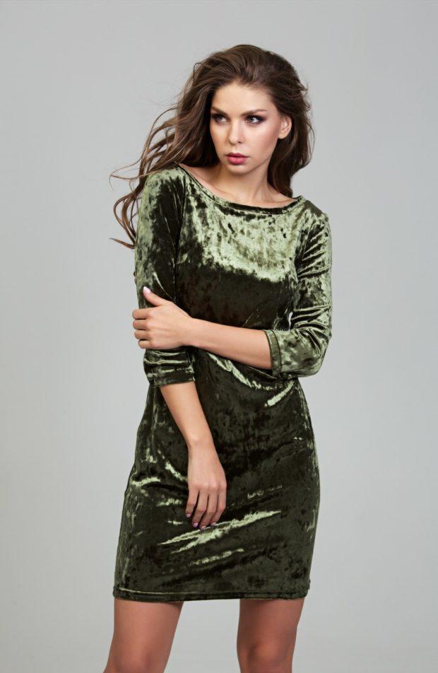 платья на каждый день бархатное зеленое