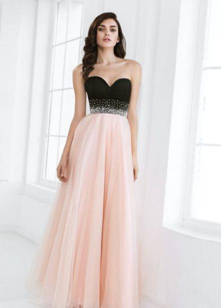 платья на выпускной 2018 розовая юбка черный лиф без плеч