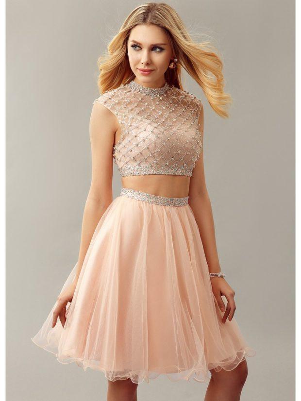 платье для выпускного: персиковые с бусинками