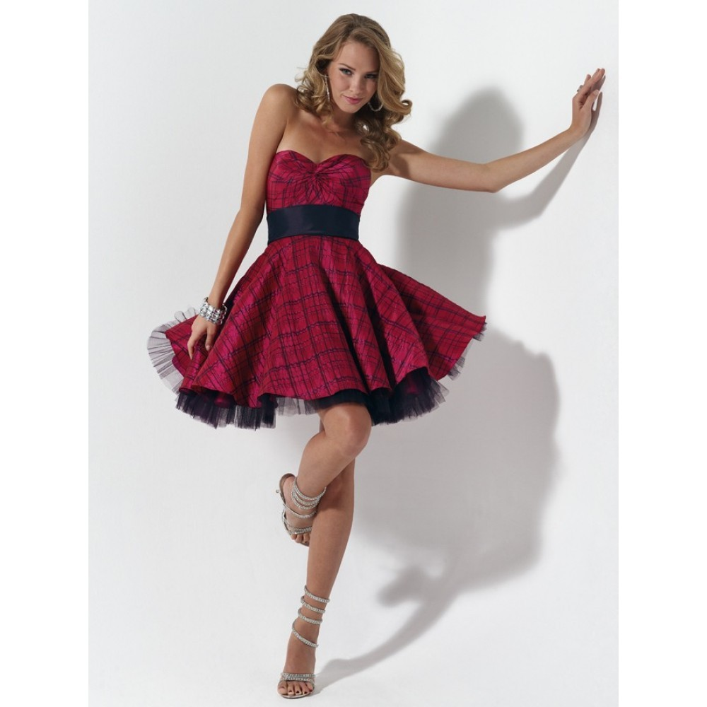 короткие платья на шлюхах