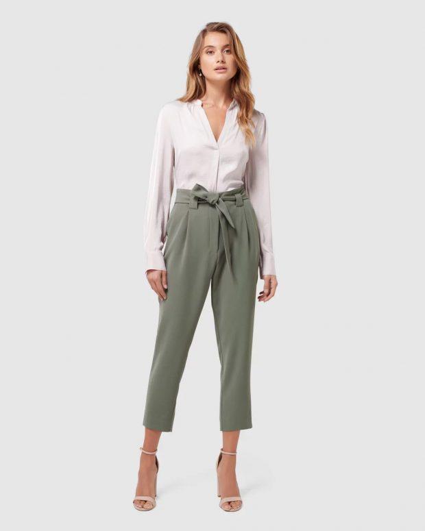 с чем носить укороченные брюки: под белую блузку