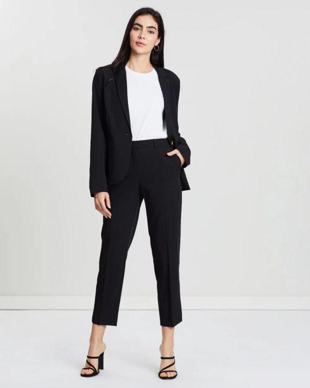 с чем носить укороченные брюки: под черный пиджак