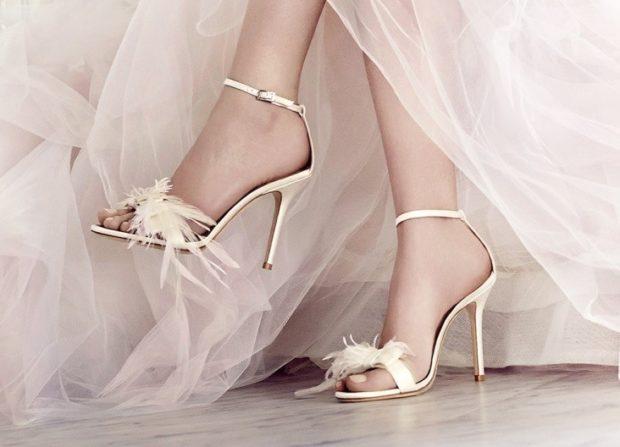 свадебная мода: босоножки на каблуке с цветами