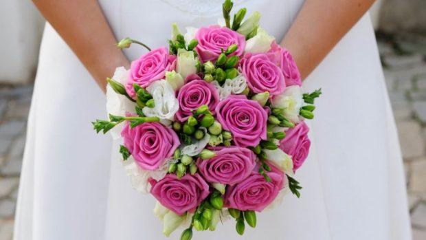 свадебная мода: букет из роз нежный