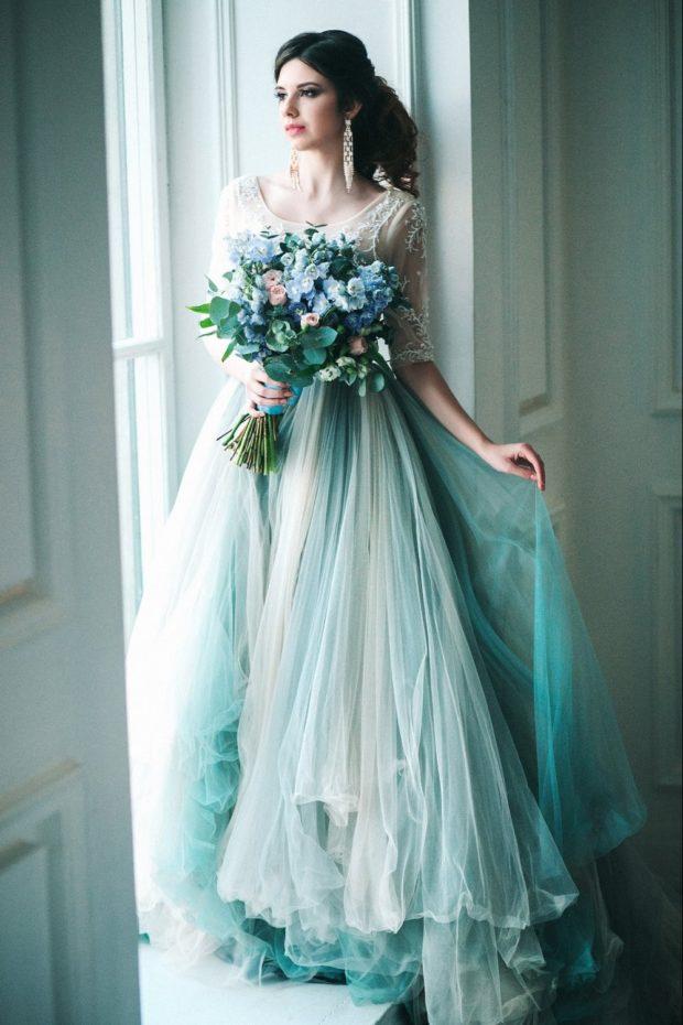 свадебная мода 2018-2019: платье голубое юбка в пол