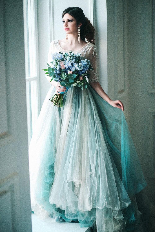 свадебная мода 2018 платье голубое юбка в пол