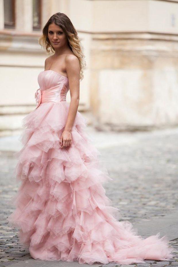 свадебная мода 2018-2019: платье розовое с воланами