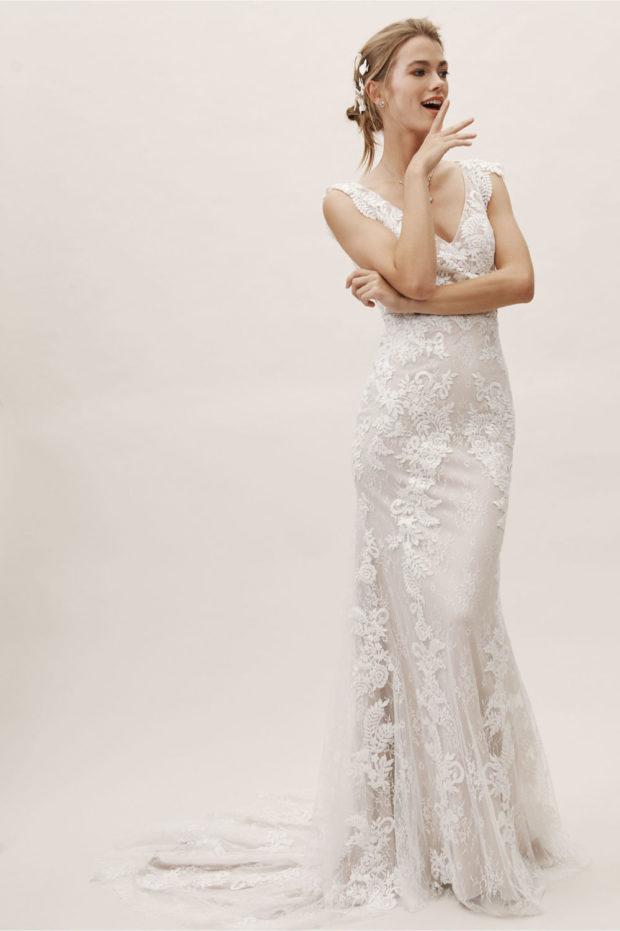 свадебная мода: платье белое гипюр на толстых лямках