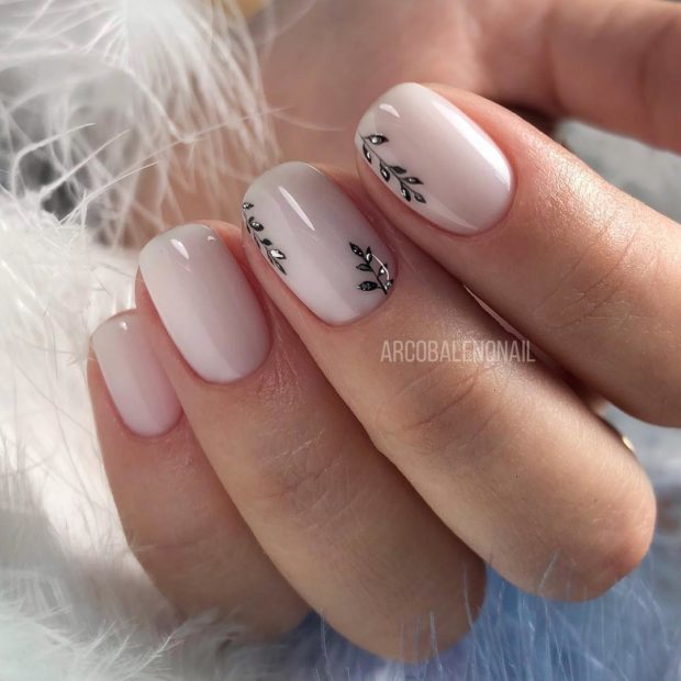 svadebnyj-belyj-manikyur