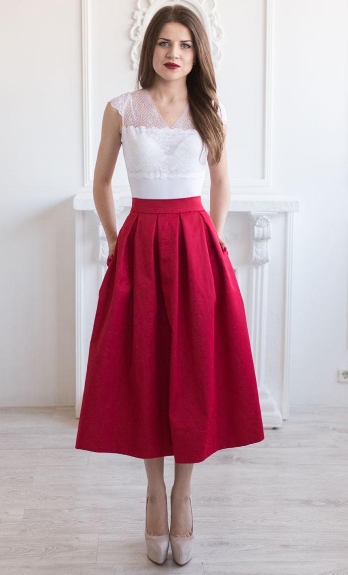 Тренды осень зима 2019: юбка миди сиреневая