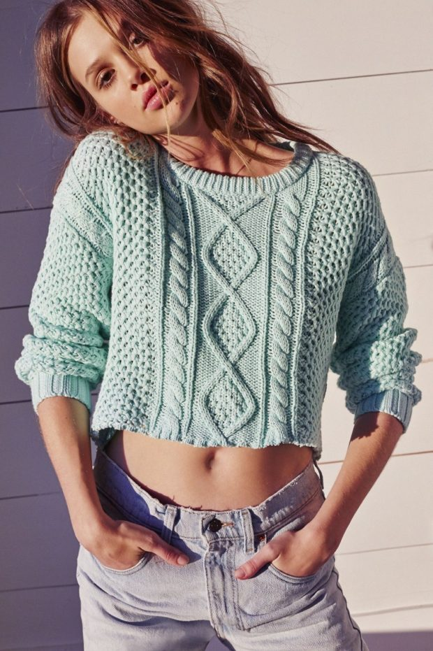 фото тенденций: свитер зеленый короткий