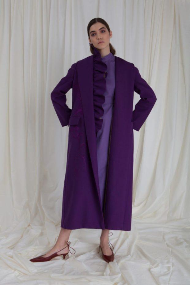 тренды осень-зима: фиолетовое пальто длина макси