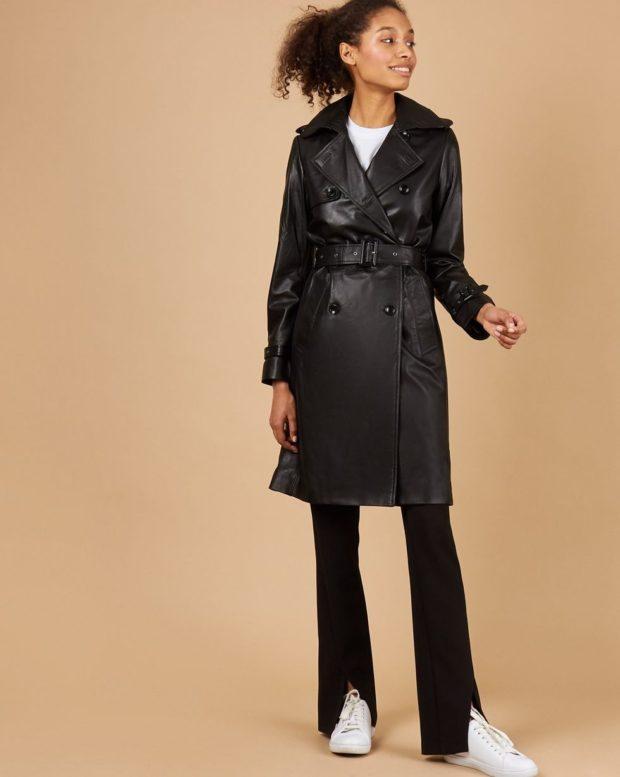 тенденции осени и зимы: плащ черный кожаный