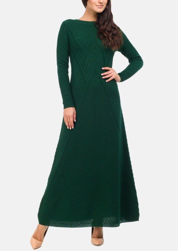 зеленое платье вязаное длинное