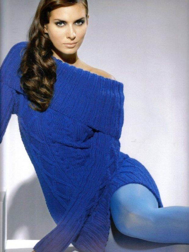 свитер синий длинный открытые плечи