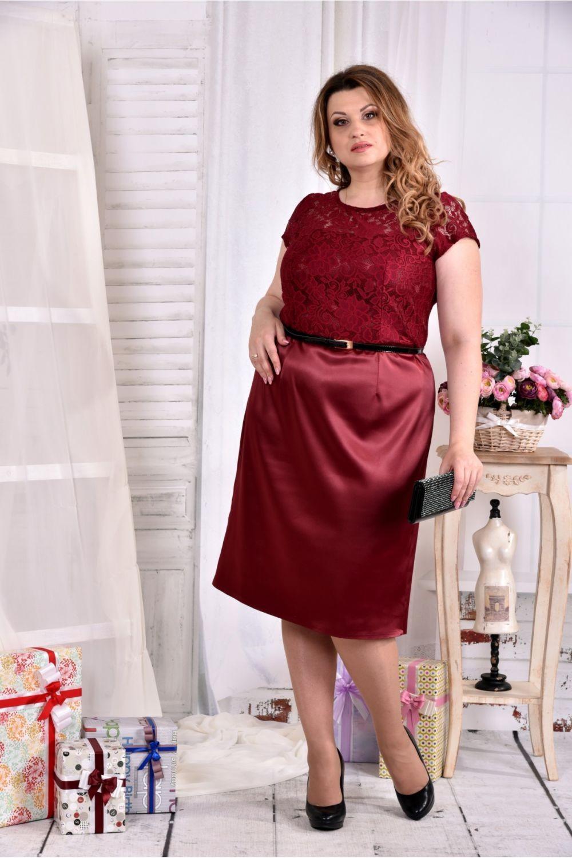 тренды осень зима 2019: платье бордовое атласное