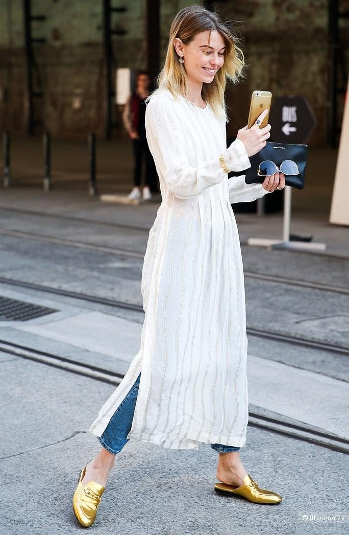 тренды осень зима 2019: белое платье под короткие джинсы