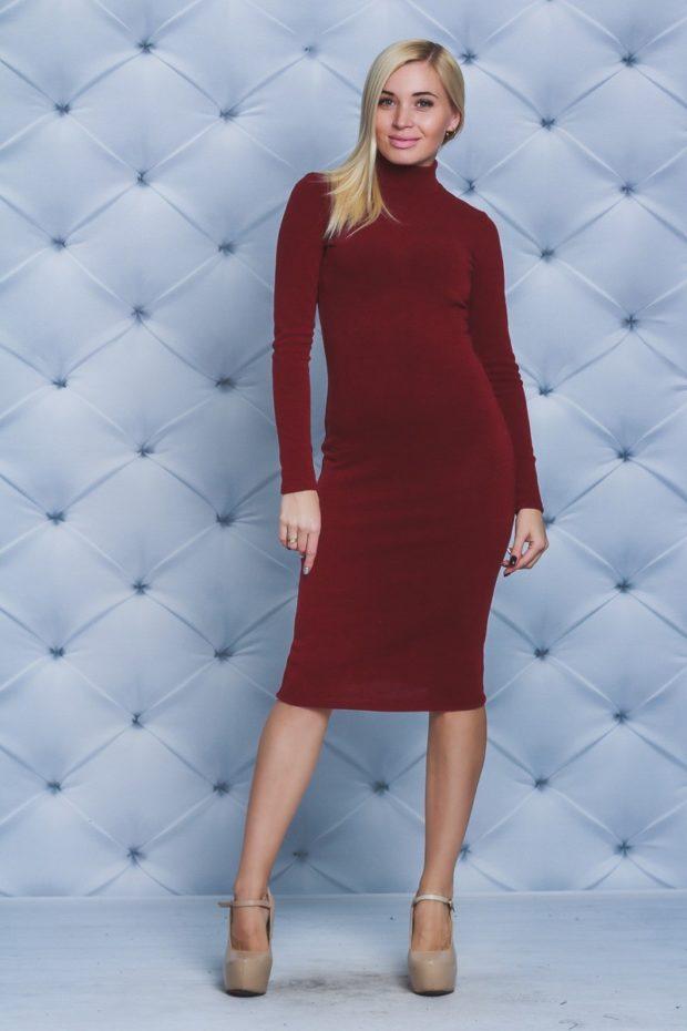 красное платье по фигуре из шерсти