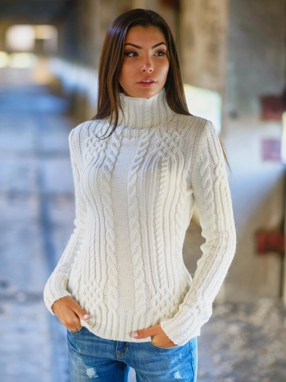 тренды осень зима 2019: свитер белый под горло