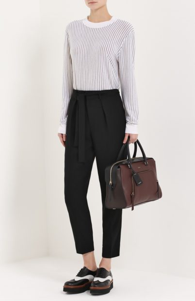 укороченные брюки с чем носить с поясом черные под кофту спортивные туфли