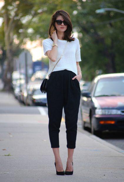 укороченные брюки с чем носить капри черные белая блузка