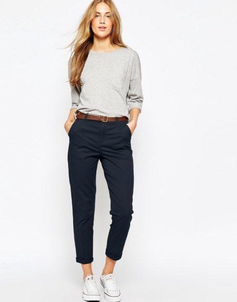 укороченные брюки с чем носить чиносы под свободную кофту