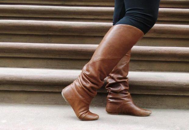 обувь женская зима 2018-2019: высокие на плоской подошве