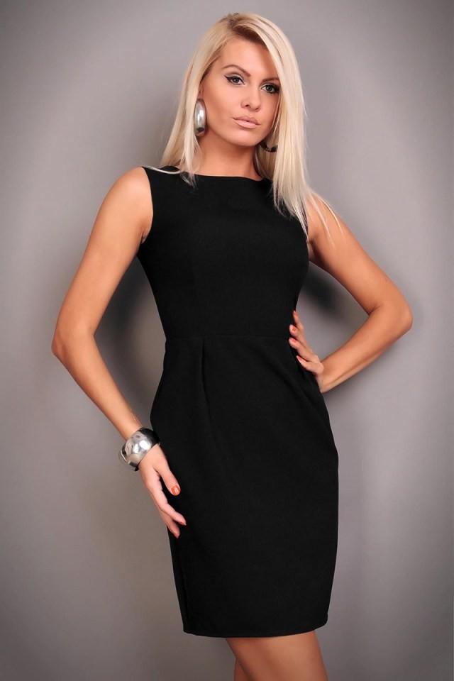базовый гардероб 2018 2019: платье футляр черное без рукава